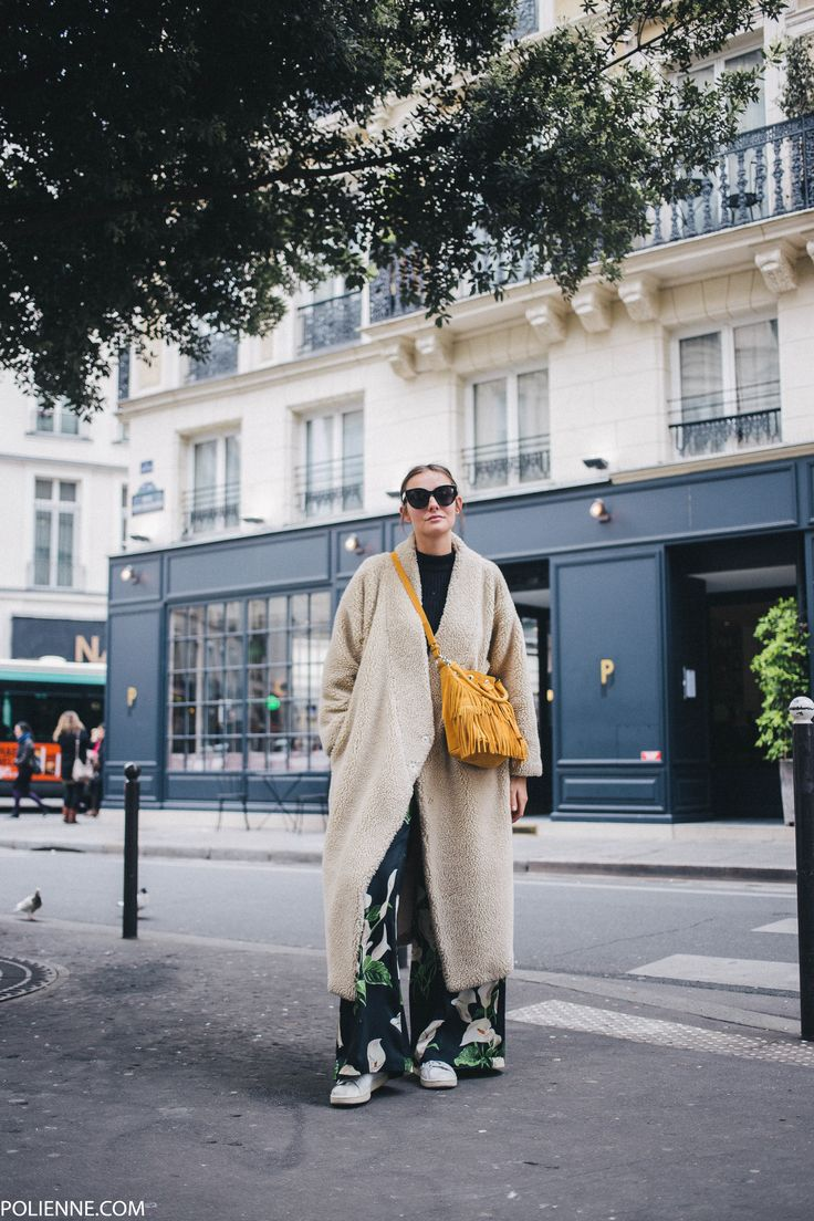 POLIENNE by Paulien Riemis | wearing a H&M knit, JULIA JUNE trousers, MINELLI bag and CELINE sunglasses in Paris, France