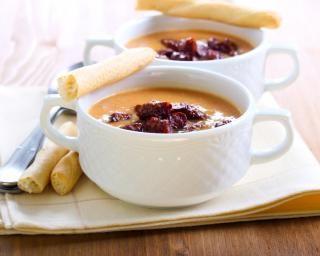 Soupe de lentilles corail au chorizo : http://www.fourchette-et-bikini.fr/recettes/recettes-minceur/soupe-de-lentilles-corail-au-chorizo.html