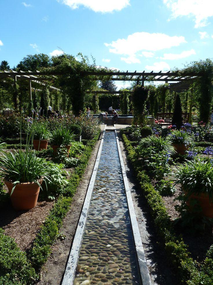 Canal, formal garden, Alnwick Castle Garden, England