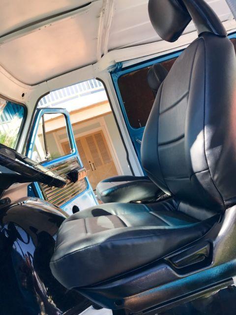 c073c2b3c75ed2 1977 Chevrolet G10 Shorty Pathfinder 4x4 custom Old School Van    NICE