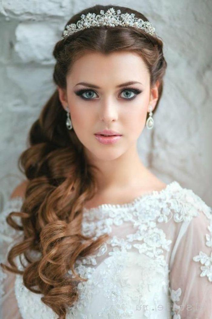 1001 Ideas De Peinados De Novia Mas Consejos Peinados Para Novias Con Tiara Peinados De Novia Estilos De Peinado Para Boda