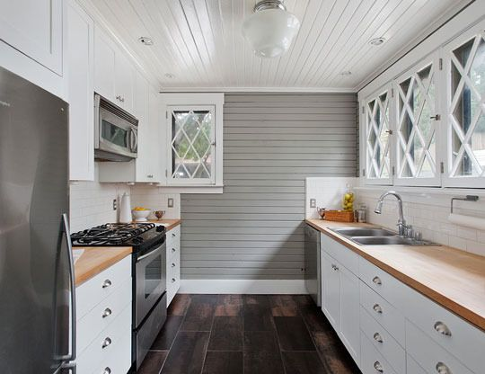 kitchen.Cabinets, Cottages Kitchens, Decor File, Carriage House Interiors, Galley Kitchens, House Convers, Covet Carriage, House Kitchens, White Kitchens