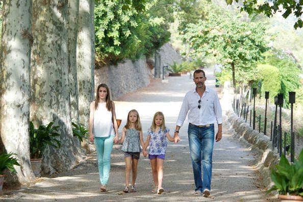 Os príncipes das Astúrias com as filhas, Leonor e Sofia (Agosto 2013)