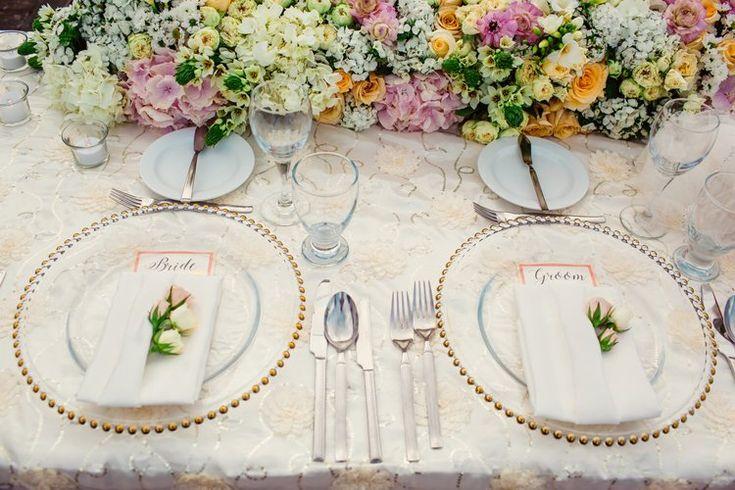 Elegant destination wedding ideas: place settings and tablescape (Jonathan Cossu Photographer)