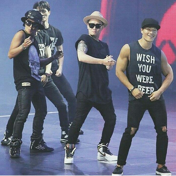Kim Jong Kook, Gary, HaHa dancing Uptown Funk by Bruno Mars. They're really cute! So lol! I miss their bromance. KJK and two kids ❤