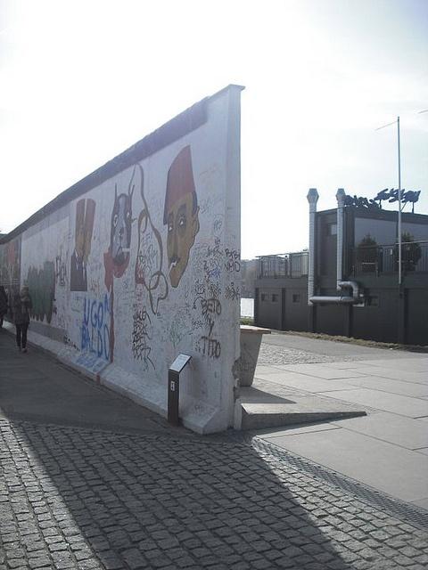 The Berlin wall by Marco Bellantone, via Flickr