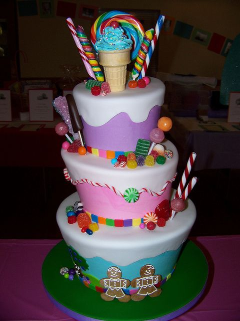 Sugar Rush Cake - I think I'm going to attempt something like this for Kaelin's birthday. Heaven help me. Lol