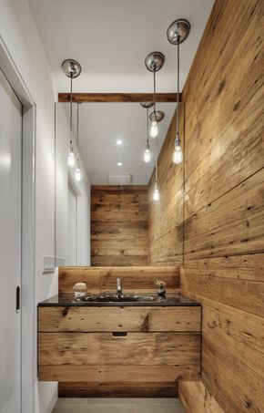 parede revestida em madeira rústica