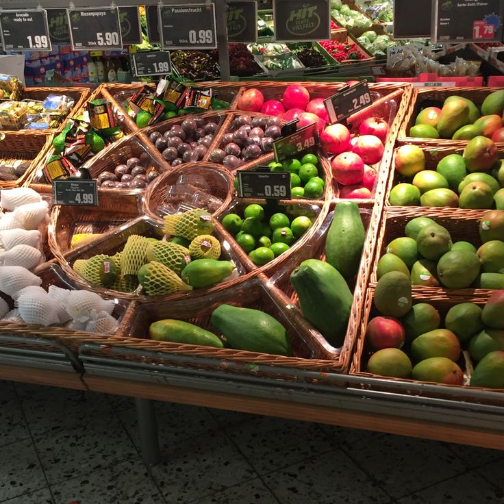 KOSZE WIKLINOWE NA WYMIAR Ten artykuł dedykuję właścicielom sklepów z pieczywem, warzywami, zdrową żywnością, którzy chcą ustawić koszyki z wikliny na już istniejące na wyposażeniu regały. Zresztą …