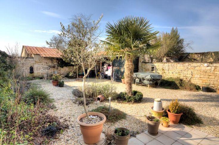 Petit coin de paradis avec commerces dans village 165 850€ #charente http://www.charente-immobilier.net/rm/listings/l1268.html…