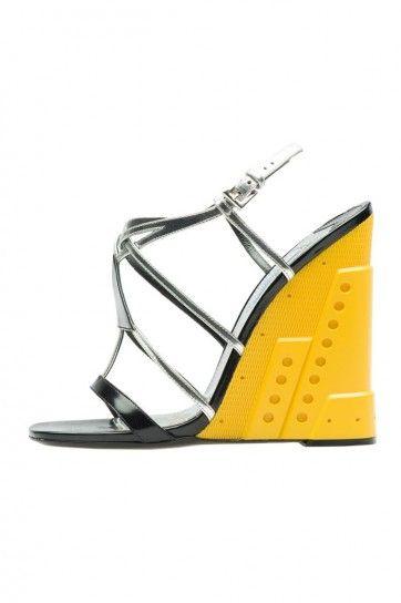 Prada Scarpe sandali argento con zeppa gialla autunno inverno 2014 2015