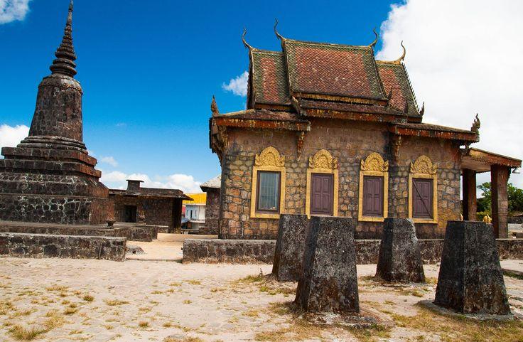 Храм Семи Кораблей на вершине плато горы Пном Бокор. #Камбоджа #Бокор