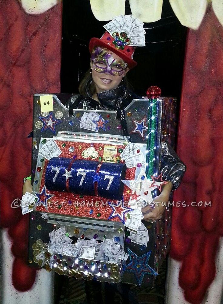 Halloween costume slot machine