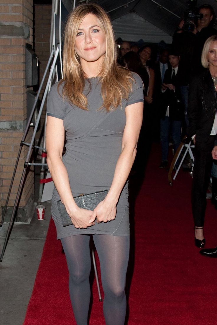jennifer aniston wearing pantyhose