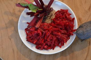 Food and More - Rezeptra: Roh gehobelter Rote Beete-Salat