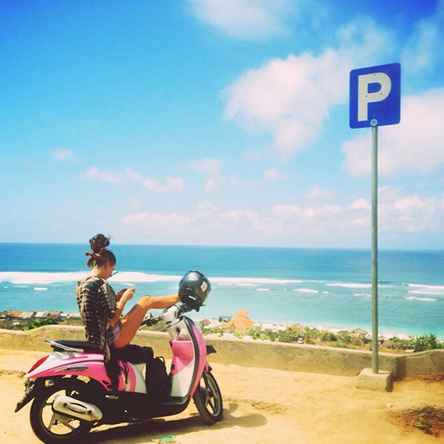 #ShareIG P for Parking at Pandawa.. #bikers #holiday #beach #pandawa #bali #pink #blue #people