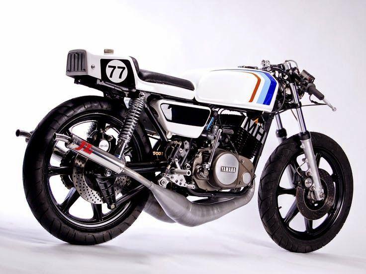 Yamaha RD 400 CR by MotoHangar