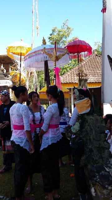 White kebayas are worn on the last day of our Odalan Temple ceremony.