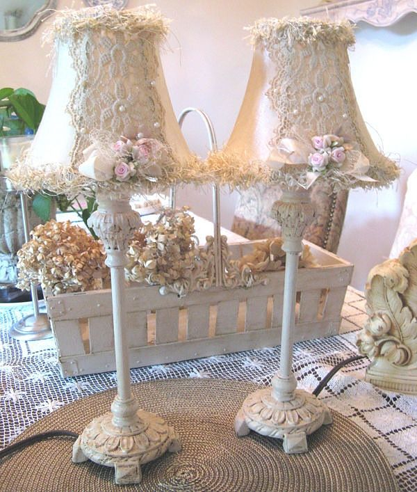 Shabby chic lamp shades... I want to do something similar on the lace ones with pearl edging on my pearl bedside lamps!. Very over the top!!!  ♡ ~ Ʀεƥɪииεð╭•⊰✿ © Ʀσxʌиʌ Ƭʌиʌ ✿⊱•╮