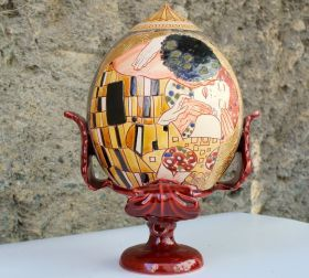 Pumo The Kiss I Small Pumo typical of Apulian tradition, handcrafted, glazed and hand-painted on two sides. #artigianato #madeinitaly #pupo #oggettistica #craftobject