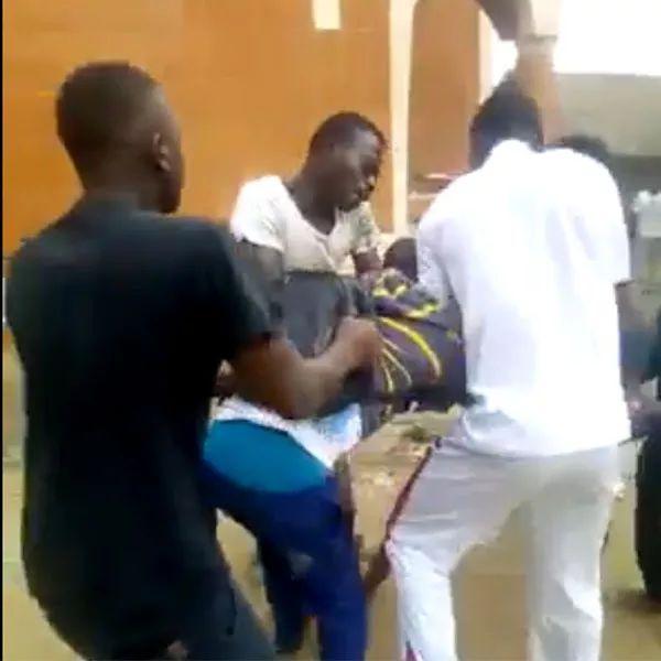Cameroun: Les images des visages ensanglant?s d?enfants en uniforme scolaire sont scandaleuses  :: CAMEROON