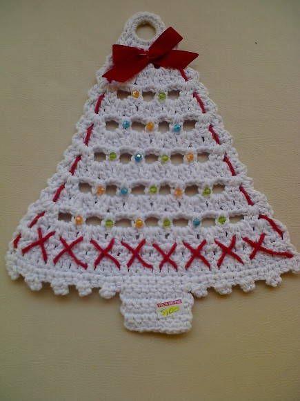 árvore de Natal em croche, ideal para porta. R$ 10,00