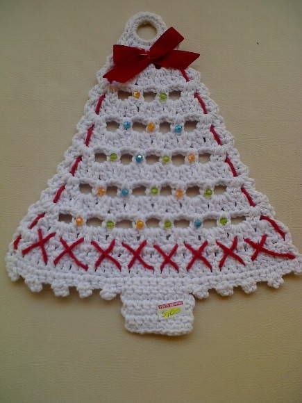 árvore de Natal em croche, ideal para porta. R$ 10,00                                                                                                                                                                                 Mais