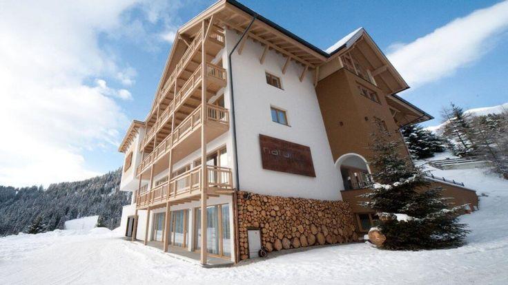 Wohlfühl-#Urlaub im #Hotel #Natürlich in #Fiss - #Tirol. Für #Hunde: Gassi-Wege direkt beim Hotel, Zimmer mit Terrasseoder Balkon, hundefreundliche #Wanderungen uvm.    #urlaubmithund #hundeurlaub #tirol #wellness #hundefreundlich #hundeliebe #wandern #reisenmithund #ferienmithund #reisen #reisetips #winterwonderland #tierischerurlaub #wirliebenhunde #österreich #austrianalps