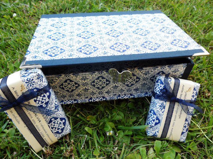 Caja-joyero con dos jabones artesanales