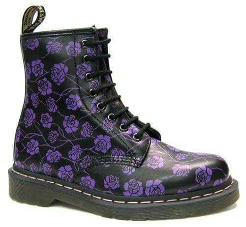 best 25 doc martens fleurs ideas on pinterest doc martens floral dr martins and sac doc martens. Black Bedroom Furniture Sets. Home Design Ideas