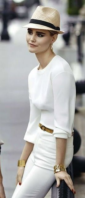 Clean and stunning.: Hats, Women Fashion, All White, Chic, Fashion Style, White On White, White Outfit, White Gold, Gold Accessories