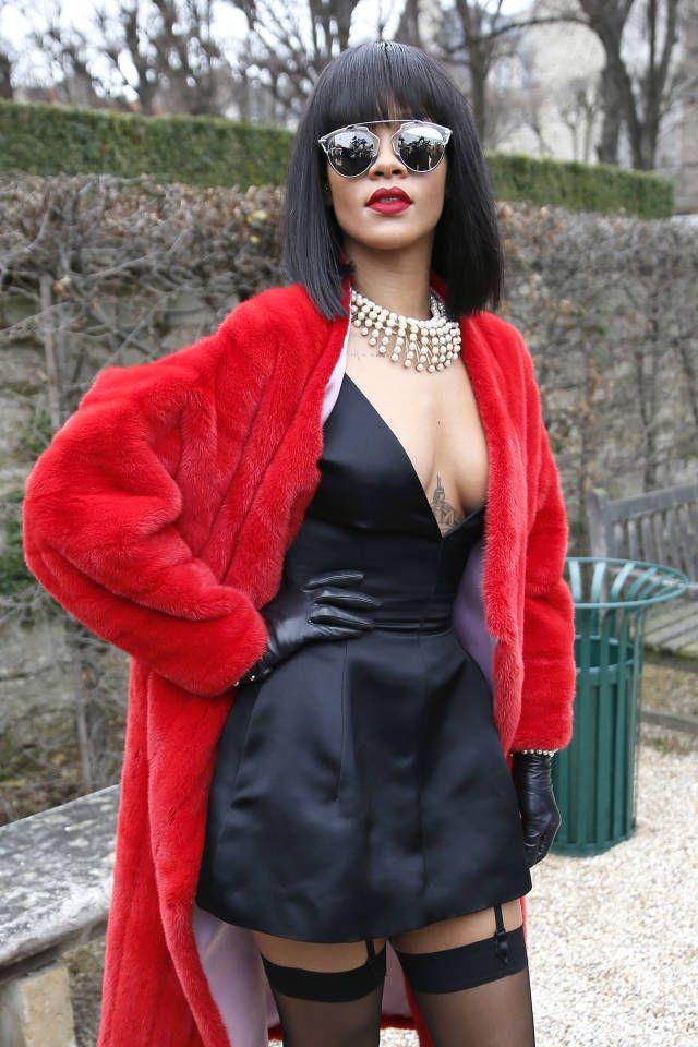 February 28, 2014 Rihanna - Starstruck in Dior.
