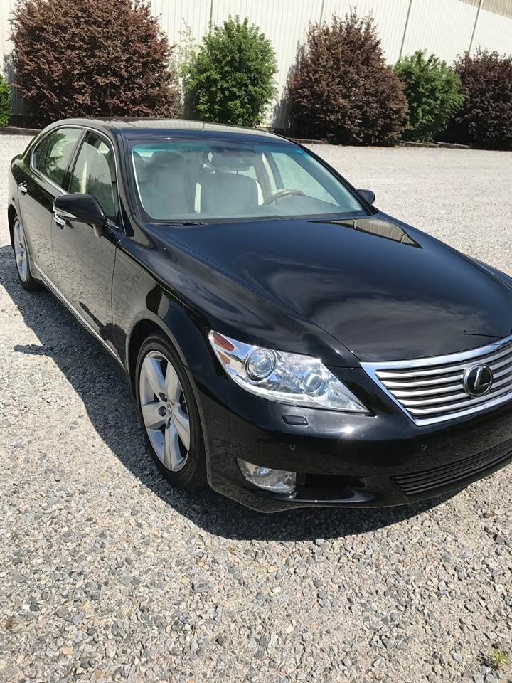 2012 Lexus 460L (NC) - $49,000 Please call Butch @ 252-456-2888 to see this Lexus