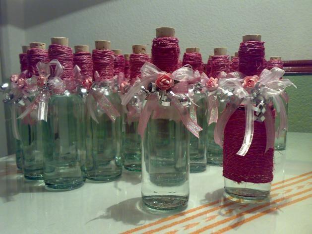 Las 25 mejores ideas sobre botellas de licor decoradas en for Decoraciones de botes de plastico