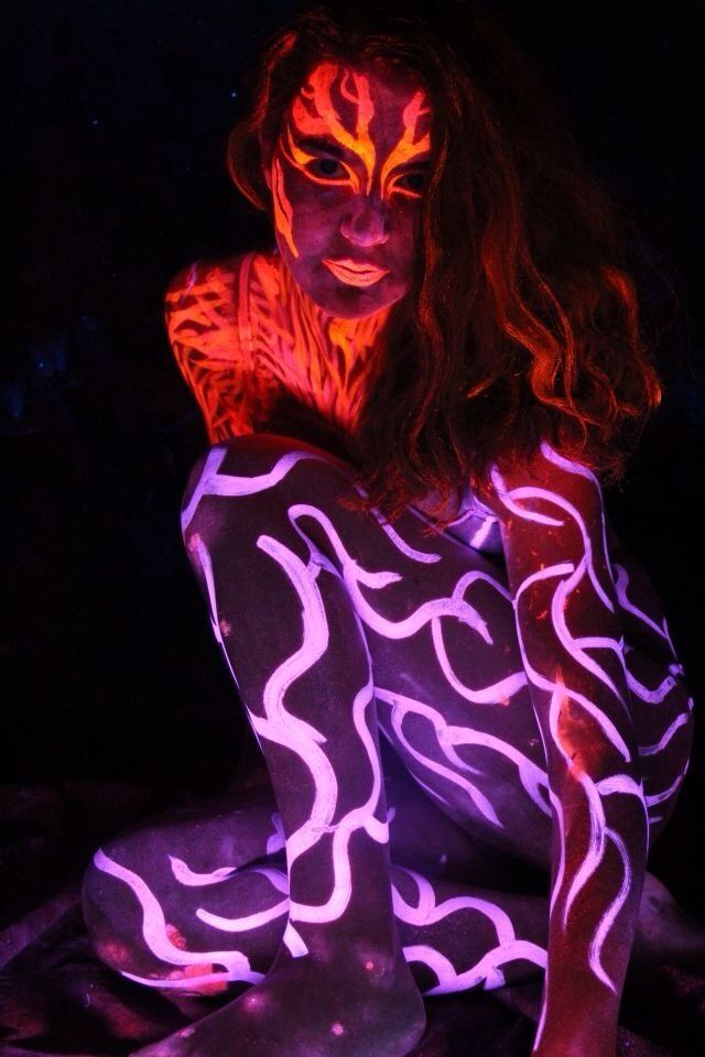 glow in dark bodies painted | Glow in the Dark Body Paint ...XoXo | Makeup