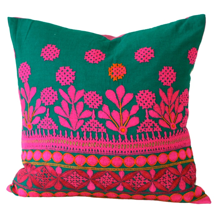 Jo Pillow: Exotic Beautiful, Diy Ideas, Jo Pillows, Joss And Maine, Colour Life, Art Design, Vibrant Colors, Bordado Multicolored, Houses Design