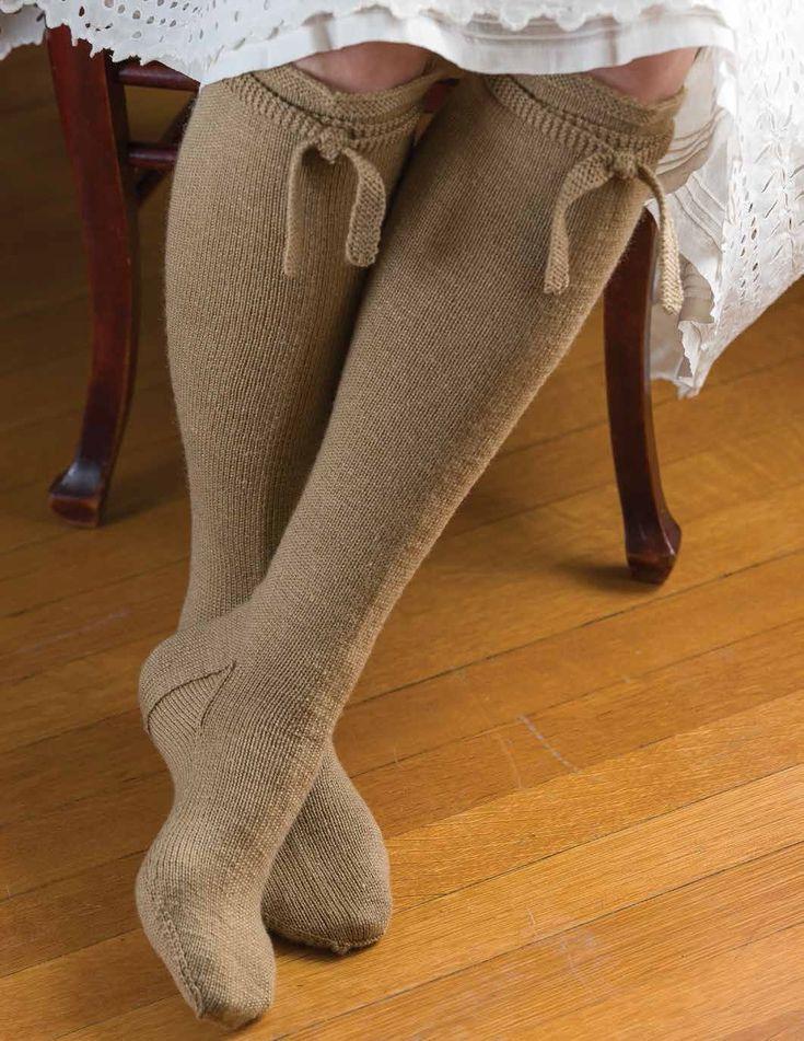 Barnim-Style Stockings Pattern   InterweaveStore.com