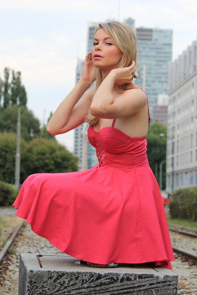 Stylizacja inspirowana perfumami Victoria's Secret Victoria