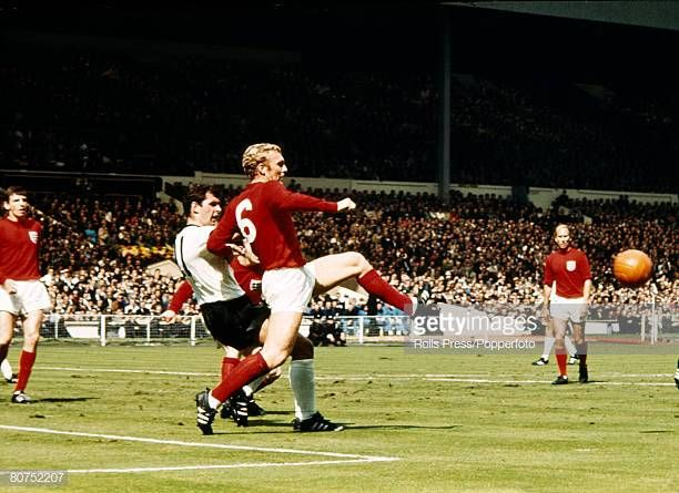 Sport Football 30th July 1966 1966 World Cup Final At Wembley England 4 V West Germany 2 Aet England Captain Bobby M 1966 World Cup World Cup Final Bobby Moore