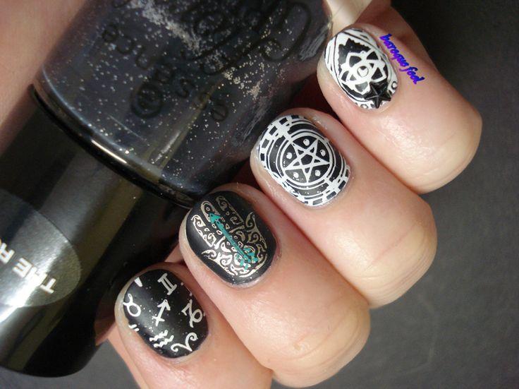 Occult gypsy nail art
