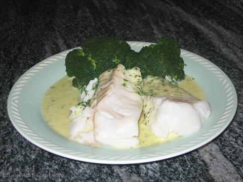 LCHF-Recept: Kokt torsk med sandefjordsmörsås