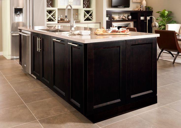 Del Ray - Woodmark Cabinetry in 2020 | Craftsman style ...