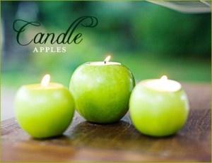 Des pommes creusées avec des bougies chauffe-plat dedans