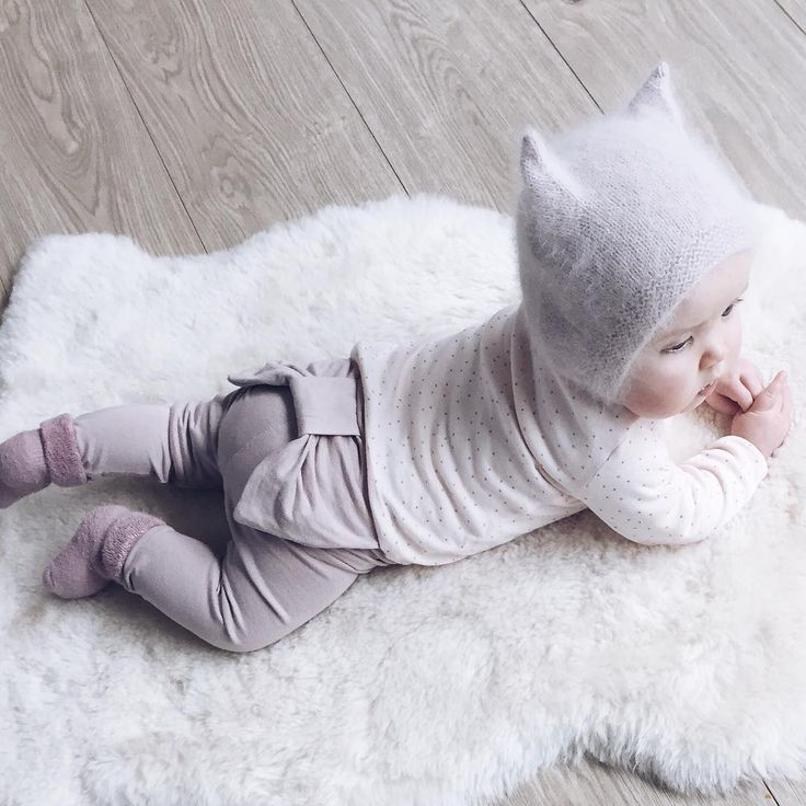 bow leggings and the coziest hat.