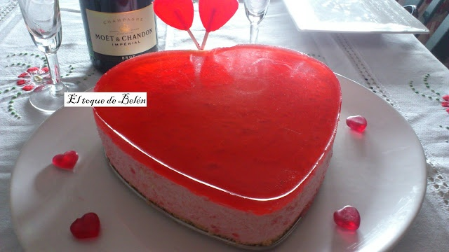 Lollipop Tart - Recipe is in Spanish, but you can translate to English (or other language) from within Google Chrome. El toque de Belén: TARTA DE PIRULETAS