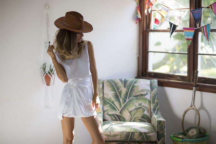 http://www.spliceboutique.com.au/kacey-devlin-collapse-sleeveless-split-dress-white.html