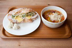 ハムとチーズとチコリのサンド ミネストローネ ham and cheese sandwich minestorone