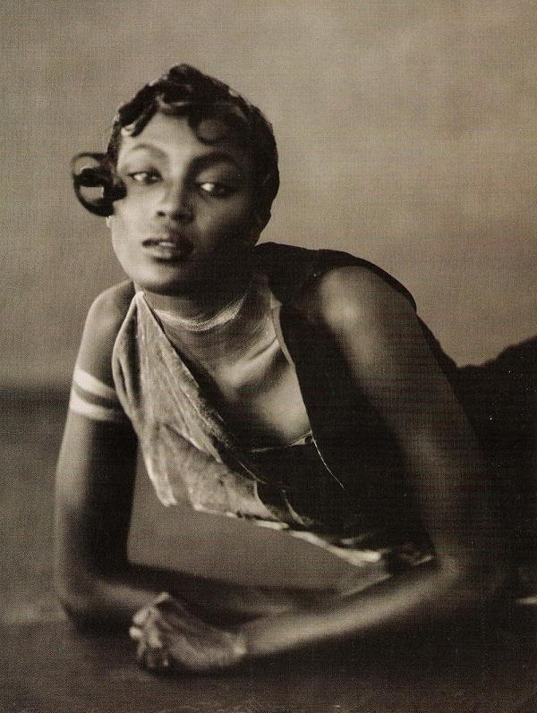 Naomi Campbell by Paolo Roversi, Vogue Italia, 1996.