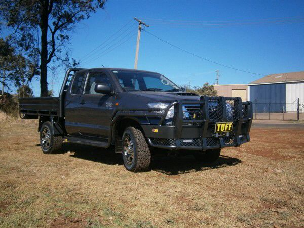 Image from http://www.tuffbullbars.com.au/media/SITE_19/media/images/product/enlarge/123057.jpg.