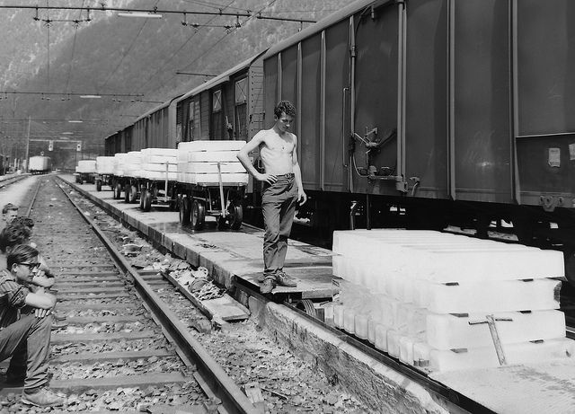 Carico di ghiaccio sul Brennero anni '50 by Ferrovie dello Stato Italiane, via Flickr